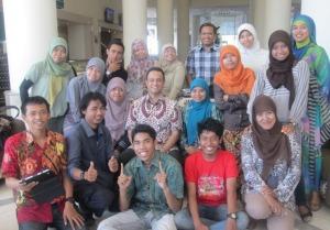 Pak Anies bersama Relawan Kelas Inspirasi dan Penyala Makassar