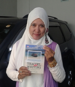 Pamer gelang Toraja bersama buku 101 Travel writing
