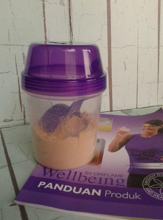 2 Scoop Nutrisake dan Shaker  (foto: Koleksi Pribadi)