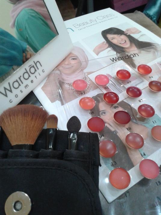 Belajar make up sendiri di Wardah Beauty Class